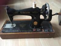 Vintage singer sewing machine lots extras