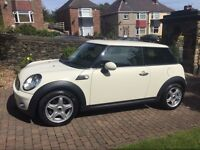 Superb 2009 Mini One Hatchback1400cc with Pepper Pack. LOW MILAGE of 38,117.