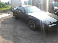 1989 firebird for parts or partout.