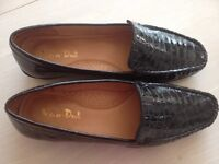 Van Dal Roxburgh shoes size 6 Black Patent Croc - as new