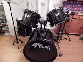 Tiger Drum Kit, 5-Piece, DKT Series with RockSolid Silencer drum pads