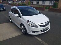 Vauxhall Corsa 1.4 SRi 3d/r White w/black glass roof, excellent condition. USB. A/C