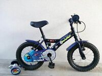 "(2159) 14"" 9"" APOLLO Boys Girls Kids Childs Bike Bicycle + STABILISERS; Age: 3-5; Height: 95-110 cm"