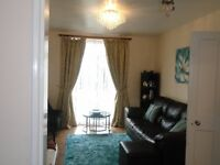 A Beautiful 2 - Bedroom - F/F/Flat * TO LET (Highview Parade , Woodford Avenue , IG4 5EP)*Part Dhss