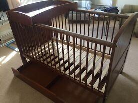 Mama & Papa's Hayworth Cot and Toddler bed