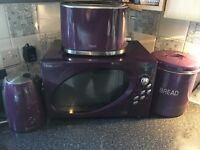 Microwave, kettle, toaster, bread bin full set