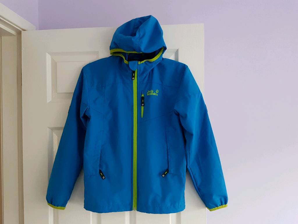 5d985dc4b99d Boys Jack Wolfskin jacket 10-11 years (152cm)