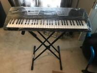 YAMAHA PSR 175 electronic keyboard - bargain with stand!