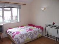 Modern bright double room for single KINGSTON/NEW MALDEN in shared house of single people.