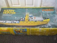 original Robbe Happy Hunter Salvage Tug Boat 1:50 RC Model Kit plus motors