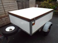 "FACTORY BUILT QUALITY BOX TRAILER 4FT 6"" X 3FT 5"" 4OOKG GROSS WEIGHT"