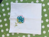 Table Runner and Napkins