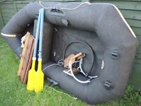 RARE BLACK AVON INFLATABLE DINGHY STAYS INFLATED OVERNIGHT NO PATCHES PUMP WOOD FLOOR OB BRACKET