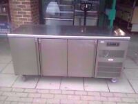 FASTFOOD COMMERCIAL 3 DOOR BENCH FRIDGE MACHINE CATERING TAKEAWAY KITCHEN RESTAURANT FASTFOOD CAFE