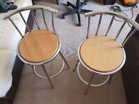 Pair of bar/kitchen stools