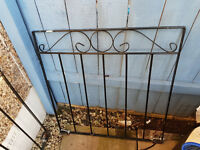 **INCREDIBLE DEAL: Selling 2 iron gates/fences**