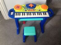 Toddler piano with stool