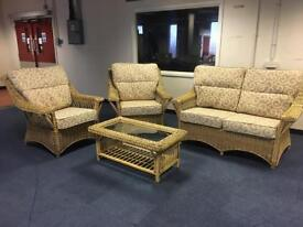 Stunning conservatory sofa 4 piece suite excellent condition