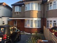 Extra Large Double Room with en-suite South Harrow (£800 per month including all bills)