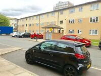 SPACIOUS LARGE 2 BED FLAT FURNISHED PARKING OFF GREENFORD ROAD TO LET
