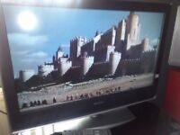 EXCELLENT SONY 32 inch FREE VIEW HDMI TV & STAND WITH REMOTE NICE TV