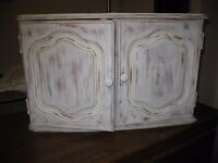 Shabby Chic vintage effect bathroom cabinet