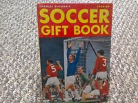 Charles Buchan's Soccer Gift Book 1968-69 Hardback Football collectable Memorabilia