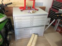 PLAN CHEST DRAWERS. Excellent condition. Top Quality