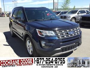 2016 Ford Explorer XLT w/NAVIGATION AND BACK-UP CAMERA!