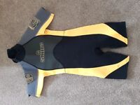 Kids Skins Wetsuit Size Small age 2-4
