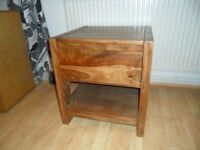 Small side table with 1 drawer in beautiful solid wood £25 Buyer collects