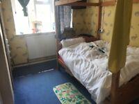 1 bedroom looking for 2/3 bedroom