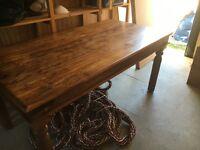 Solid oak table £100