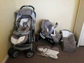 Graco travel system in excellent used condition. Suitable from birth.