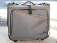 SUITCASE/GARMENT BAG