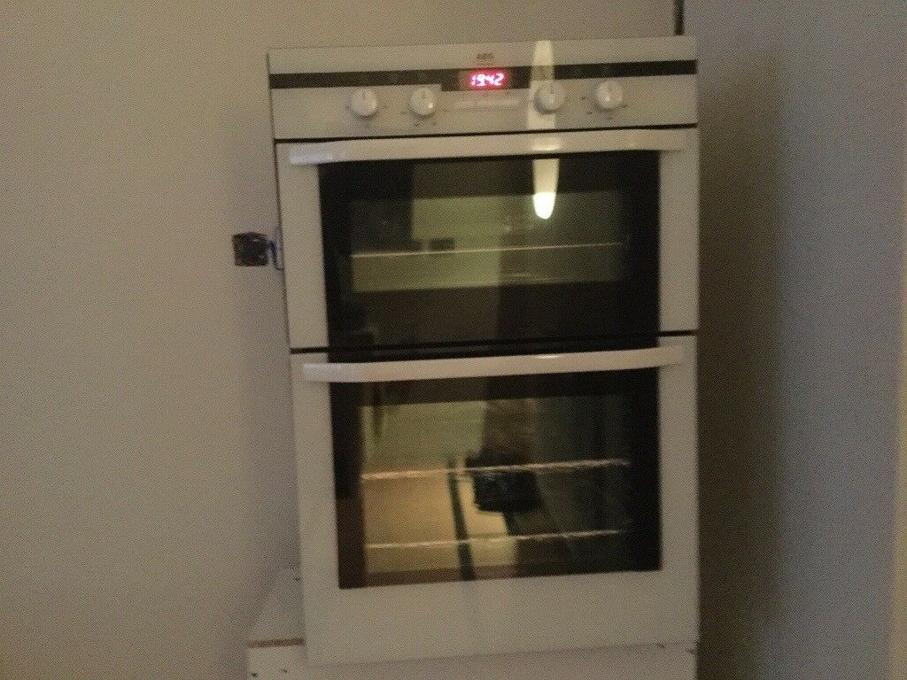 Inset Aeg Electrolux Built In Electric Fanned Double Oven
