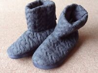 Womens slipper boots Size 6