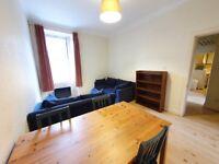 2 bedroom flat in Glen Street, Tollcross, Edinburgh, EH3 9JD