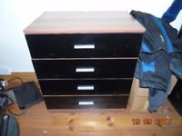 Chest of Drawers black gloss front