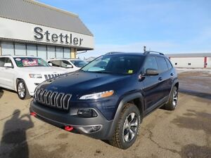 2016 Jeep Cherokee TRAILHAWK NAVIGATION! HEATED LEATHER!!