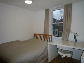 MODERN STUDIO WITH PLASMA TV AND INTERNET/RECENTLY REFURBISHED/FITTED KITCHENETTE/ EPC RATED C 79