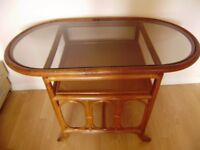 Table, good condition, lovely piece of furniture