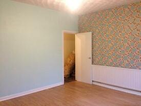 2/3 BEDROOM FLAT AVAILABLE TO RENT/SHARE