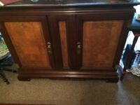 Solid mahogany dinning table and chairs