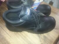 safety shoes size 11 brand new
