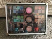 Large make up kit