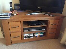 Oak and veneer TV stand - corner unit