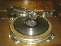 exceptional 1920s wind up gramophone