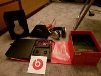 Beats Pro. I have the box. Recieved it as a gift.