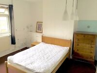 Large Double Room Available in Richmond NOW